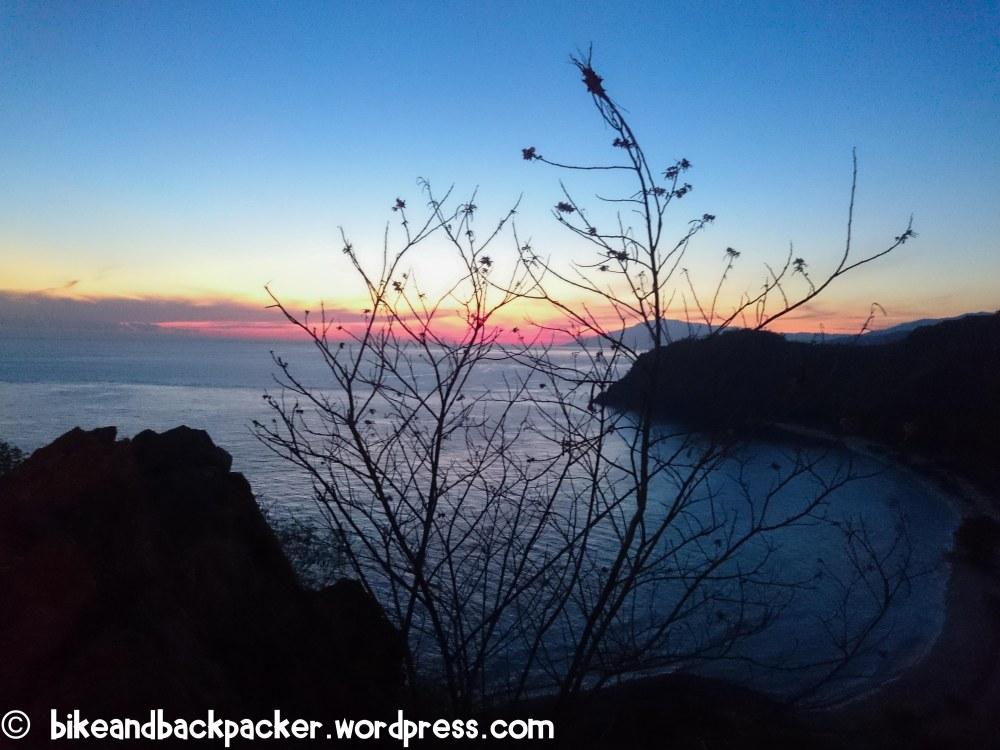 Cristo Rei sunrise beach